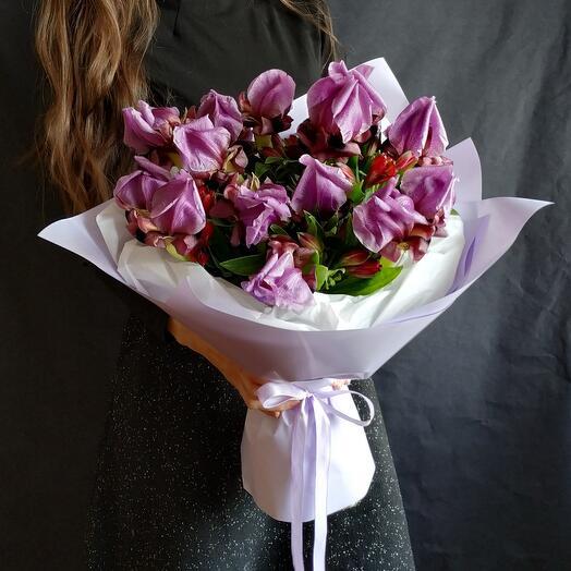 Пурпурные ирисы