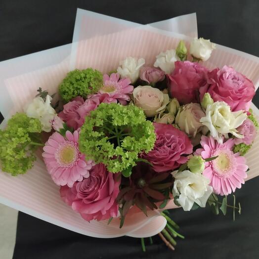 "Букет с розами ""Кружева"""