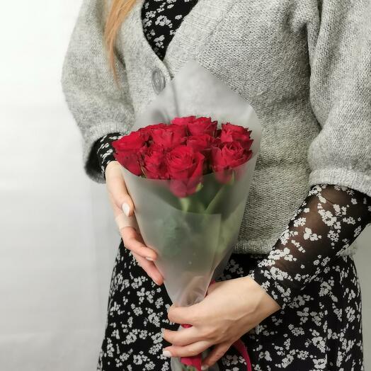 Букет Мальбек 11 из красных роз 40 см