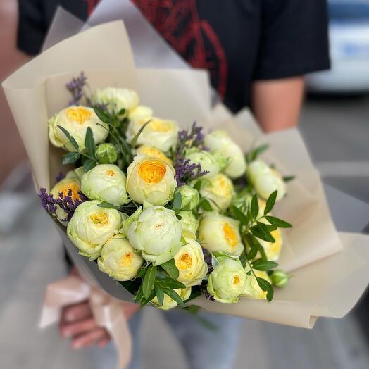 Букет Пионовидных кустовых роз