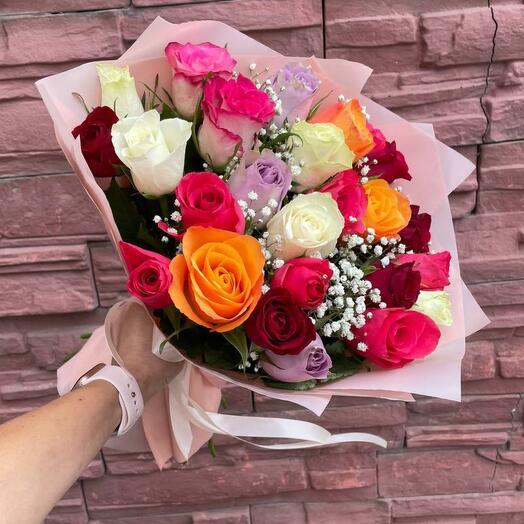 Яркий букет из 25 кенийских роз