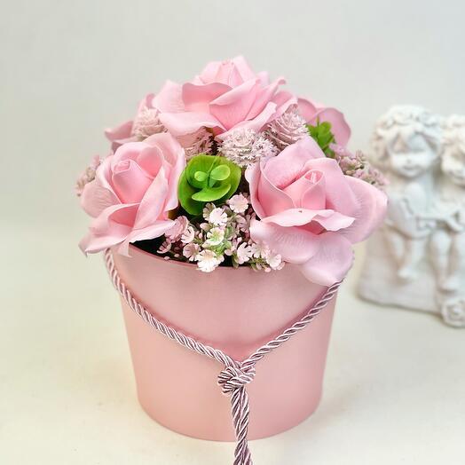 Розовые мыльные розы