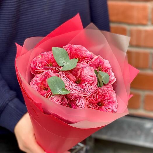 7 пионовидных роз «Реджентс Парк»