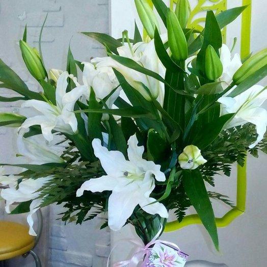 Букет из белых лилий: букеты цветов на заказ Flowwow