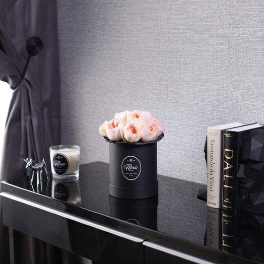 Розы Juliet в шляпной коробке Demi Black