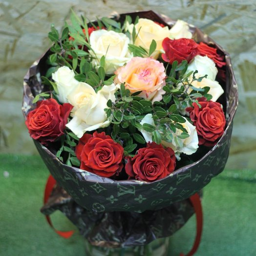 Дизайнерский: букеты цветов на заказ Flowwow