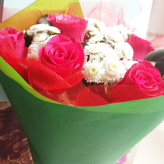 Букет роз с хризантемой: букеты цветов на заказ Flowwow