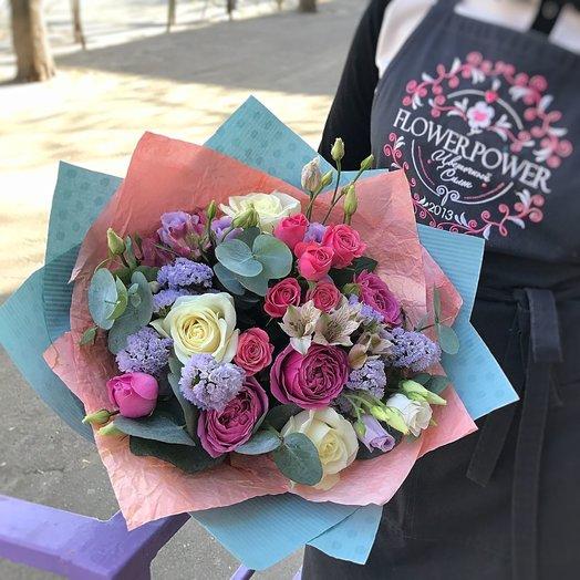 Сочный букет с пионовидными розами: букеты цветов на заказ Flowwow