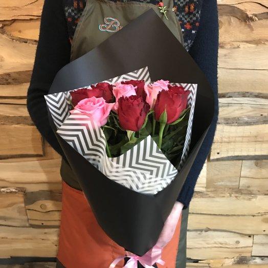 Букет из 9 роз в черном крафте