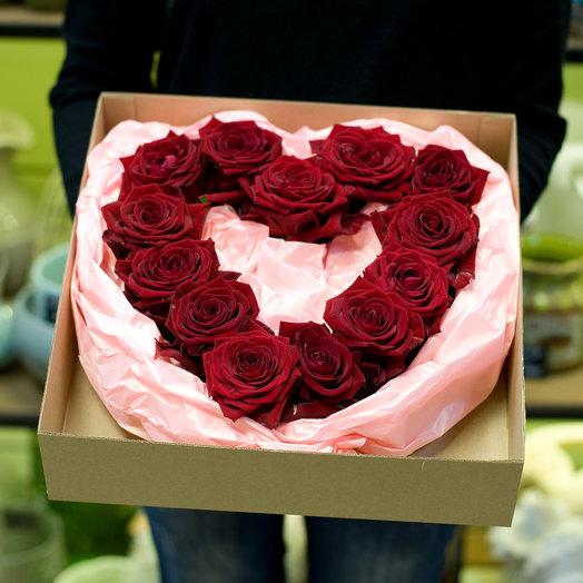 Сердце из роз  Романтичное: букеты цветов на заказ Flowwow