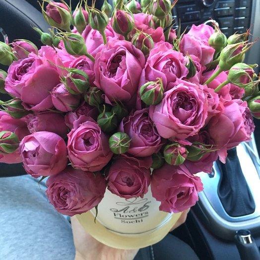 Конус с пионовидными розами: букеты цветов на заказ Flowwow