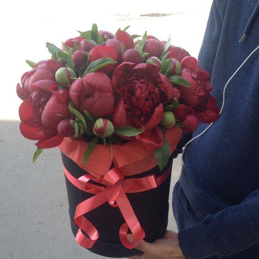 Пионы в коробке (29) шт: букеты цветов на заказ Flowwow