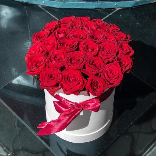 31 роза в коробке: букеты цветов на заказ Flowwow
