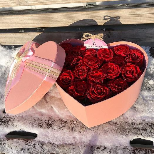 19 розочек в коробке: букеты цветов на заказ Flowwow
