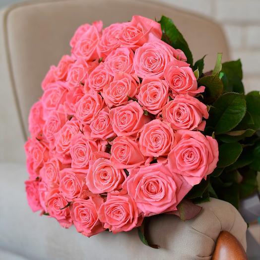 Изысканные коралловые розы: букеты цветов на заказ Flowwow
