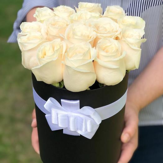 15 белых роз в шляпной коробке: букеты цветов на заказ Flowwow
