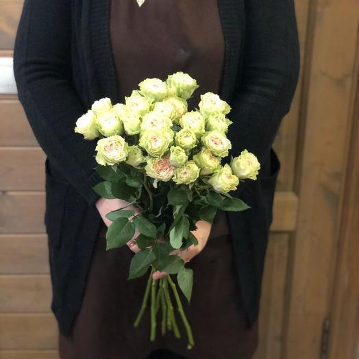 Букет из кустовых пионавидных роз