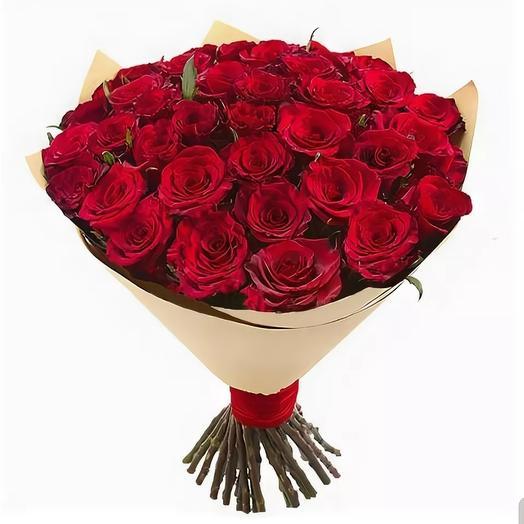 35 роз бордо в крафте