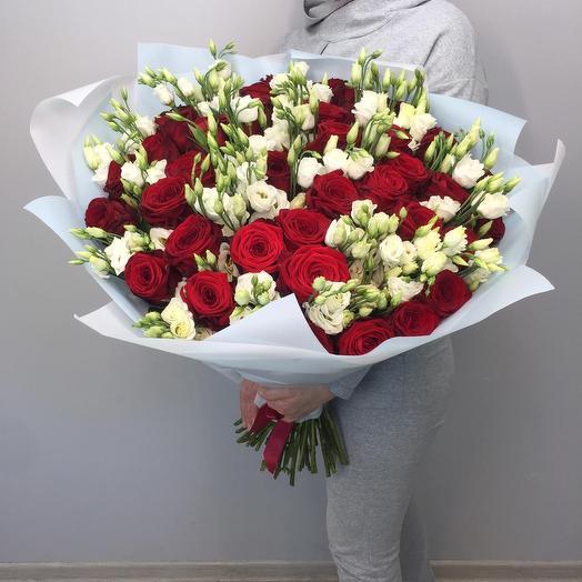 Эустомы с розами