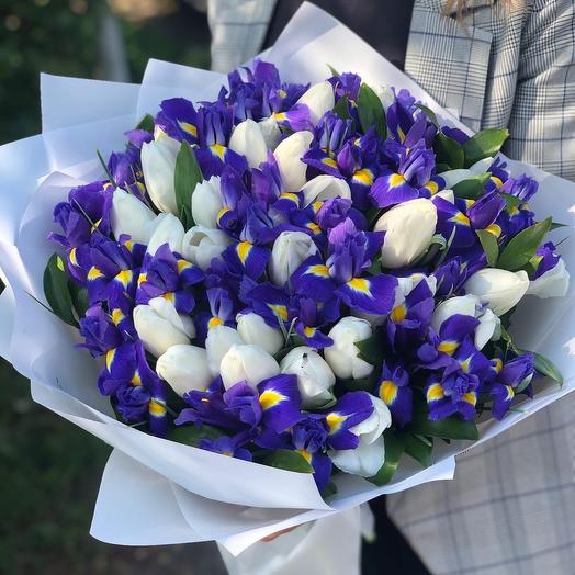 Большой букет тюльпанов с ирисами