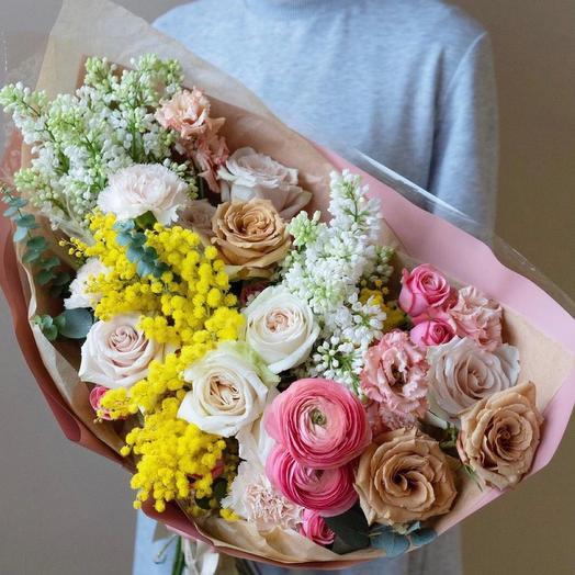 Красивый букет с мимозой ,сиренью и розами -«Воздух»