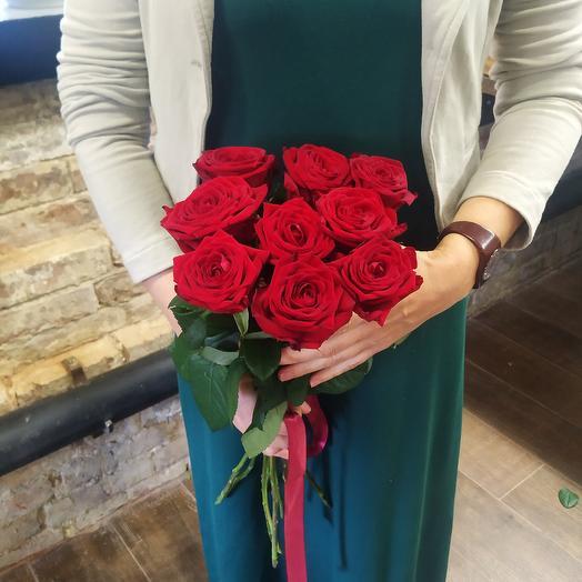 Роза 9 Ред Наоми