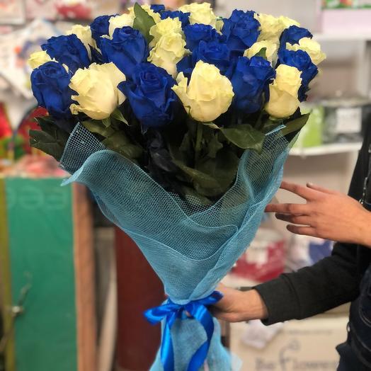 """Букет """" біла і синя троянда """""""