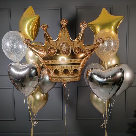 Композиция с золотой короной