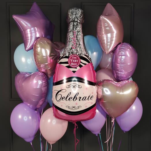 Композиция для девушки с розовой бутылкой шампанского