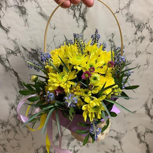 Корзина с цветами «Весна»