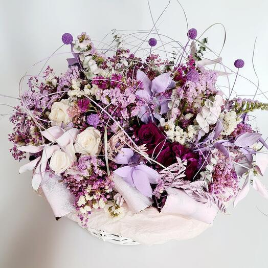 Композиция из стабилизироаанных цветов и сухоцветов