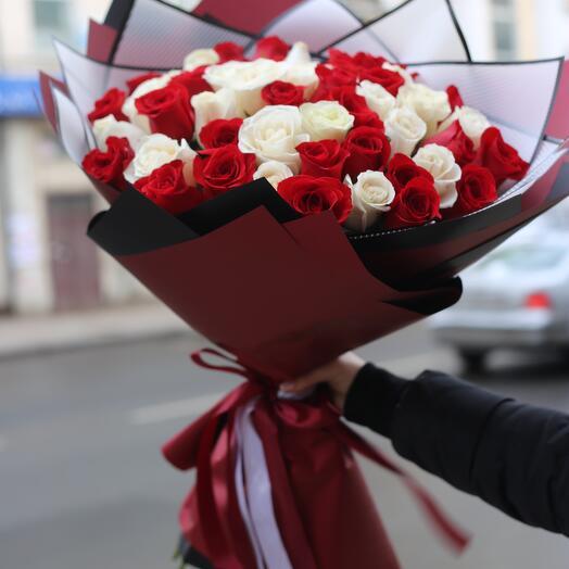 Букет з 55 троянд 70 см