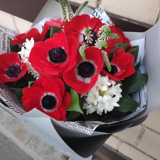 Букет цветов с Анемонами
