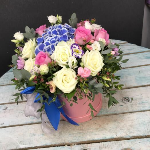 Цветы в коробке sweet love