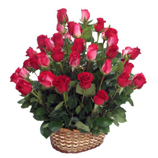Композиция Алый парус: букеты цветов на заказ Flowwow