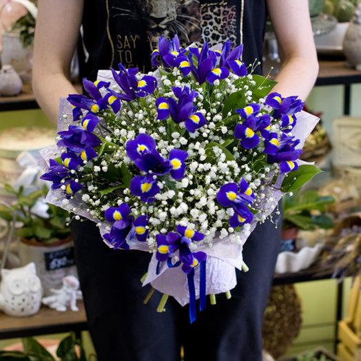 Букет из синих ирисов: букеты цветов на заказ Flowwow