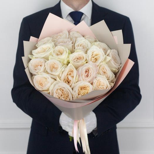 Букет из 21 ароматной экводорской розы White O Hara: букеты цветов на заказ Flowwow
