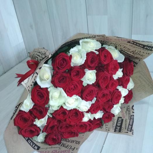 Красно-белое: букеты цветов на заказ Flowwow