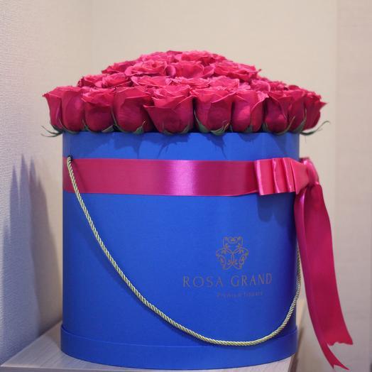 До 75 малиновых эквадорских роз в синей коробке: букеты цветов на заказ Flowwow