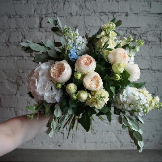Гортензия и Оксипеталум: букеты цветов на заказ Flowwow