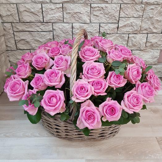 Корзина из 29 роз: букеты цветов на заказ Flowwow