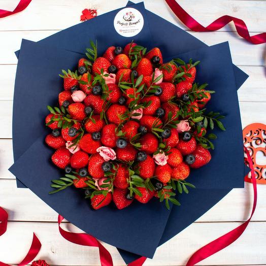 Клубничные истории|2: букеты цветов на заказ Flowwow