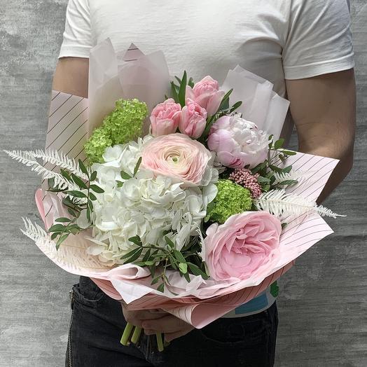 Нежный букет с гортензией и пионом: букеты цветов на заказ Flowwow