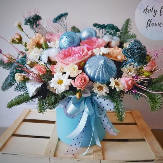 """Цветы в коробке """"Новогоднее чудо"""""""