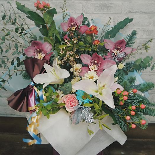 """""""Азия"""" коробка с цветами и сухоцветами"""