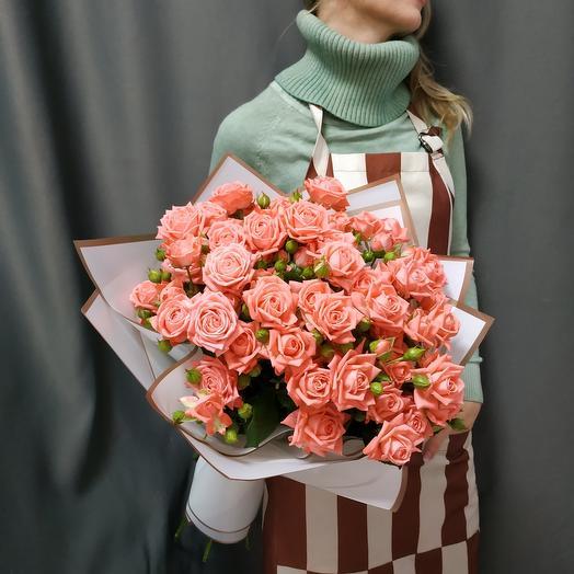 """Букет""""9 кустовых коралловых роз"""""""