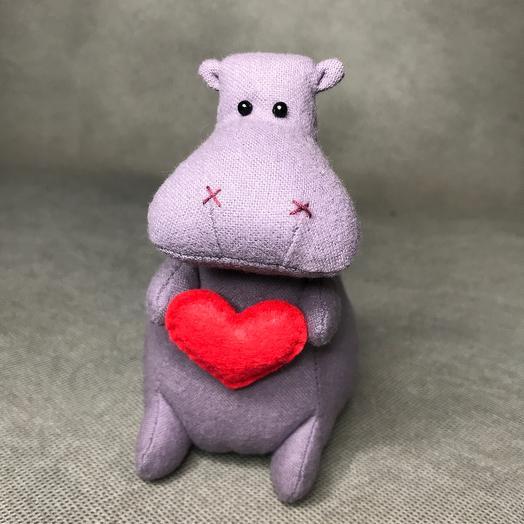 Бегемотик с сердцем