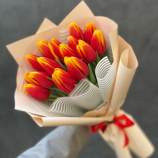 Bouquet of 15 red and yellow tulips