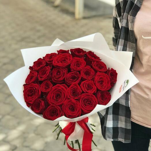 розы 25 штук красные