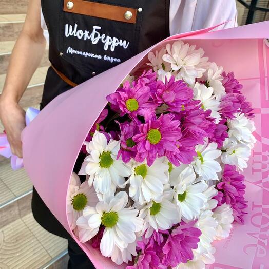Розовый букет из хризантемы